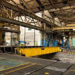 Using this sliding platform, the dirt- and dust-coated areas could be separated from the dismantling/assembly halls