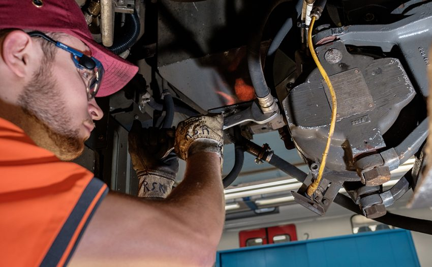 As a mechatronics technician, Ramon works on electronic locomotives. In his everyday work life he assures mechanical work on the underbody of the vehicles.